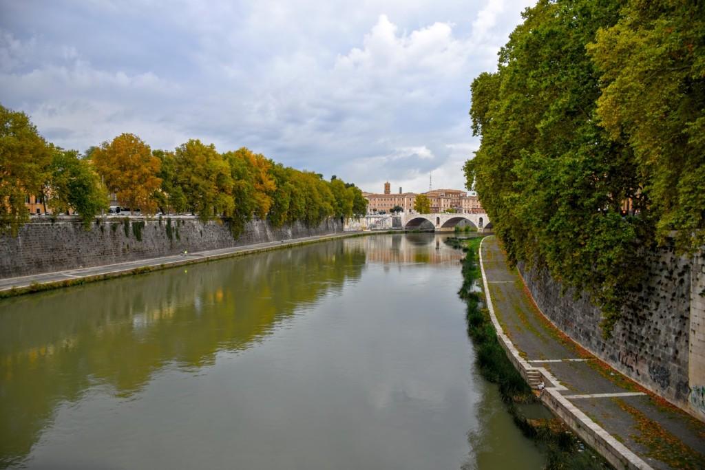 rome-quiet-tiber