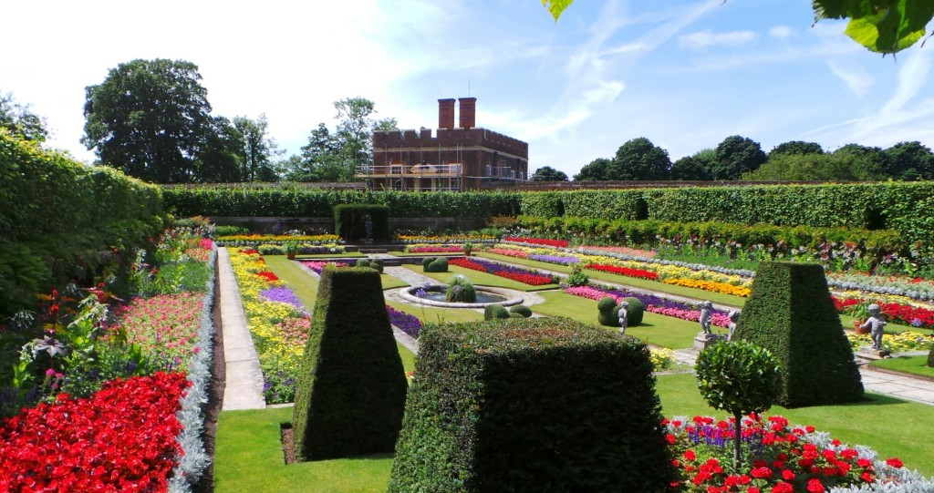 tudors-hampton-gardens-use